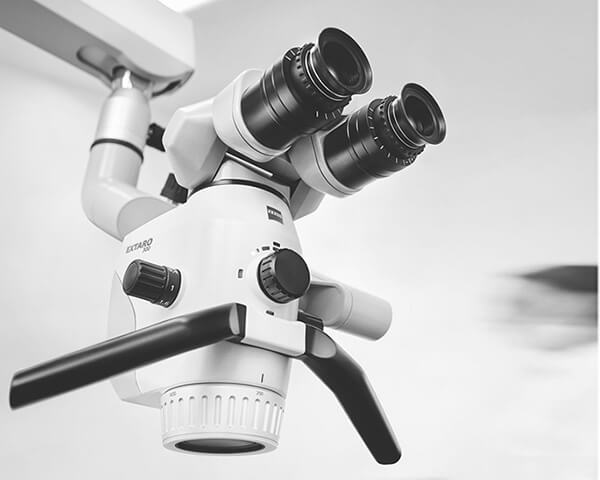 Stomatologický mikroskop